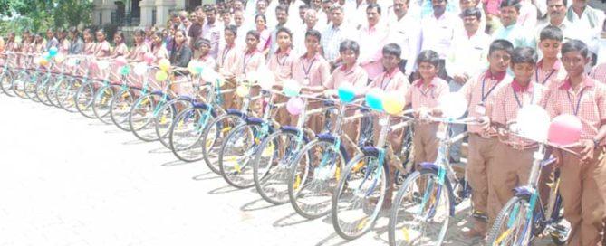 jssonline_bicycle_ditribution_ceremony